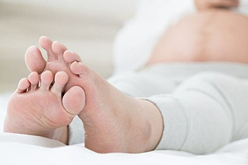 むくみ 妊婦 足 の
